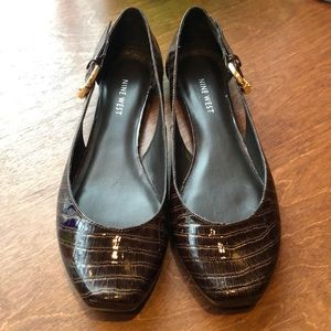 Nine West Patent Leather Flats Gold Buckle Croc